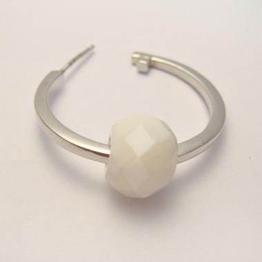 Perle en nacre facettée large trou 3 mm