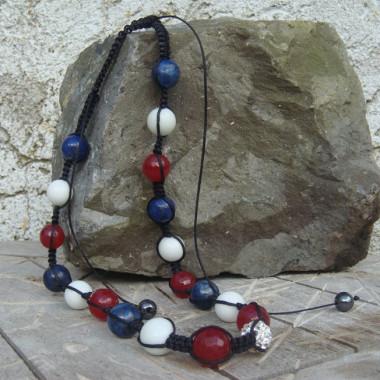 Collier shamballa lapis lazuli, agate blanche et rouge