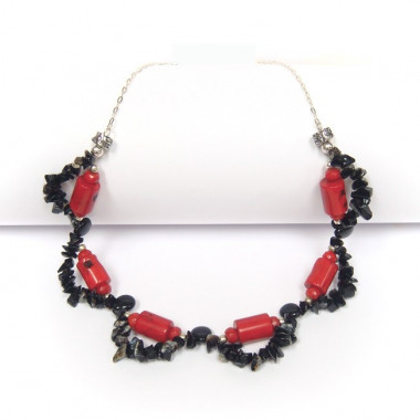 Collier corail, obsidienne...