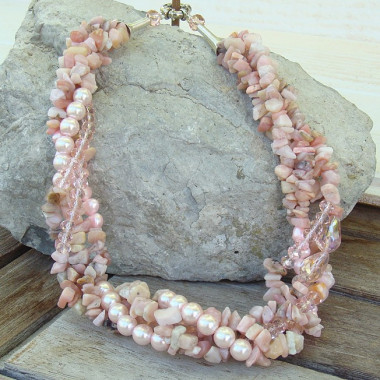 Collier multi rangs opale rose et biwa
