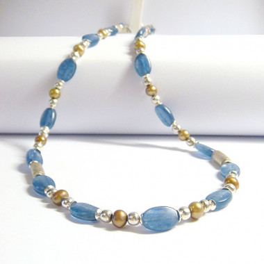 Collier cyanite, perle biwa