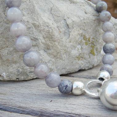 Collier en agate grise, métal