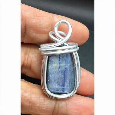 Pendentif énergétique en cyanite bleue