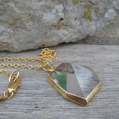Chaîne plaqué or avec pendentif pointe de cristal de roche