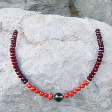 Collier chaîne grenat, corail et quartz fumé