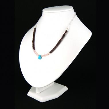 Collier chaîne grenat, onyx et perles d'eau douce