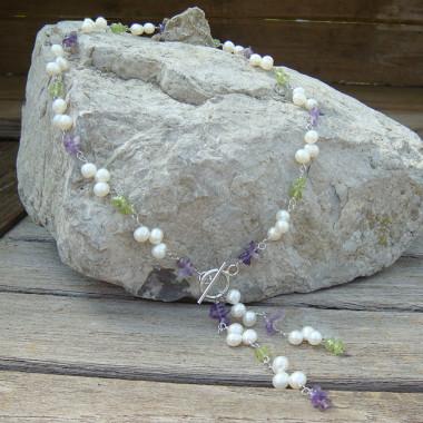 Collier en péridot, améthyste et perles biwa