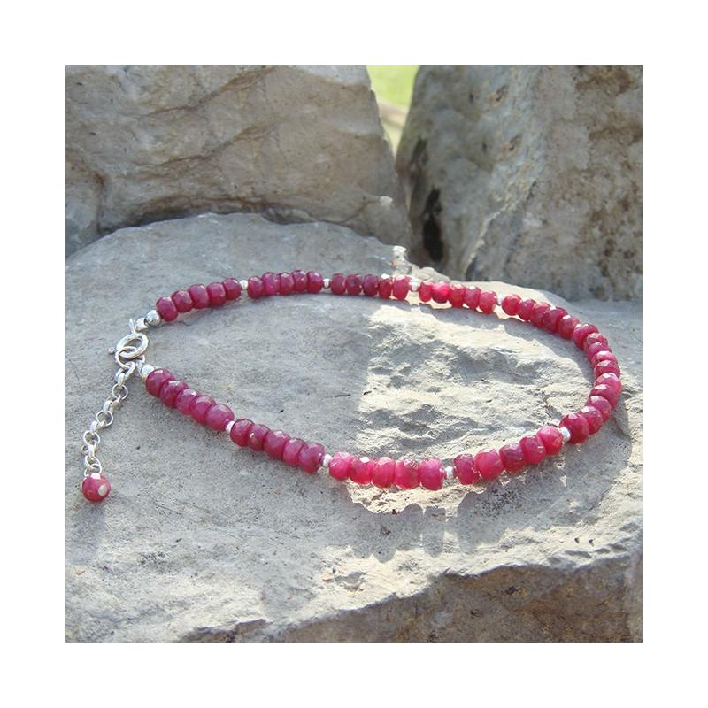 Bracelets en rubis perles facettées