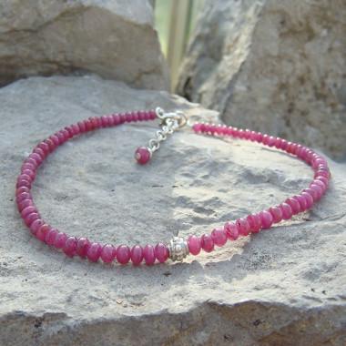 Bracelets en rubis petites perles applaties