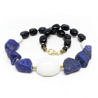 Lapis lazuli, onyx, agate blanche, collier court