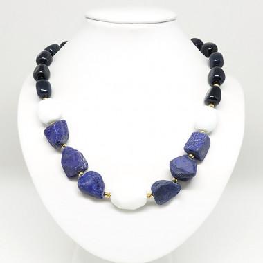 Lapis lazuli, onyx, agate blanche, collier court