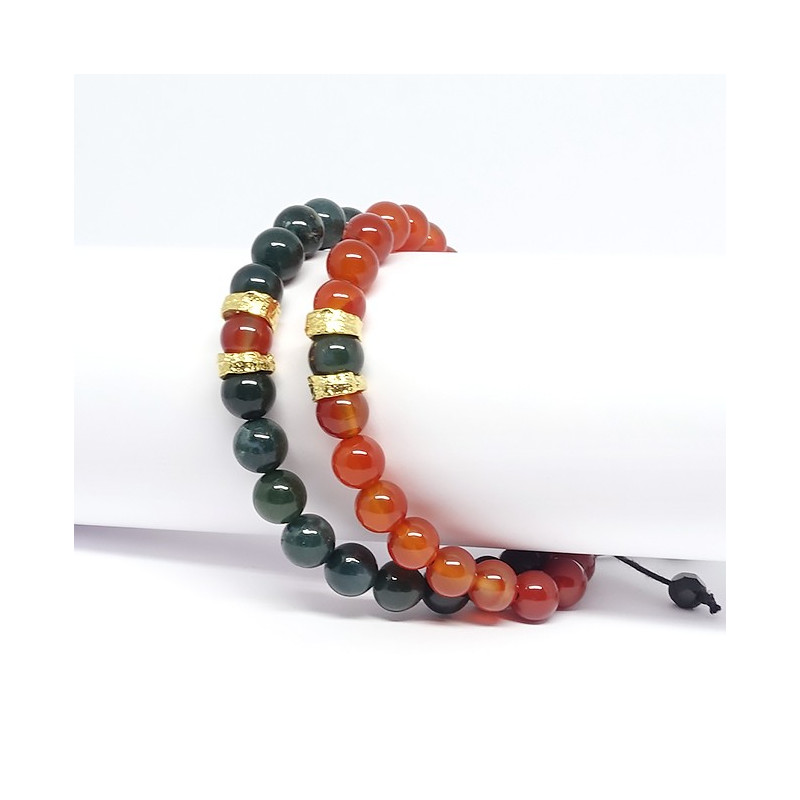 L'association de l'agate mousse et de la cornaline confère à ce bracelet une harmonie ...