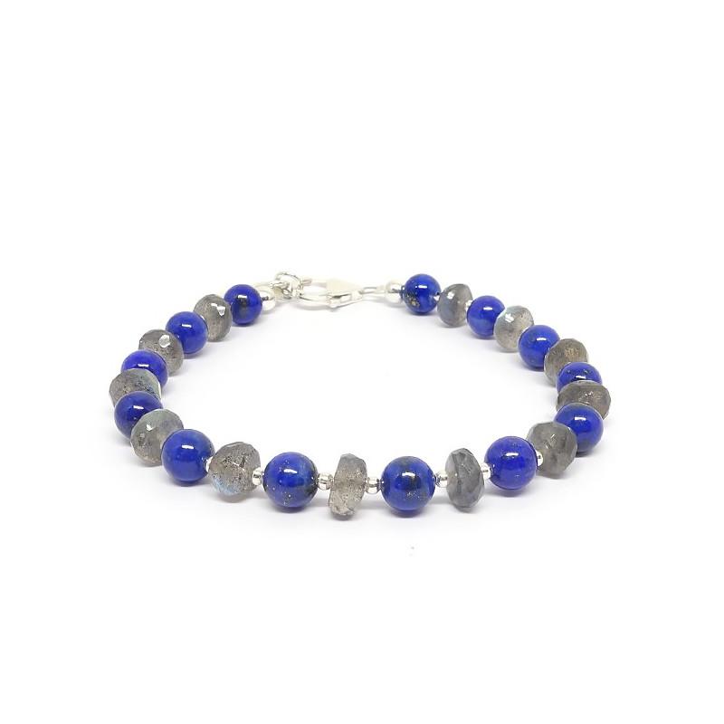 Lapis lazuli est la pierre de l'amitié et de vérité.