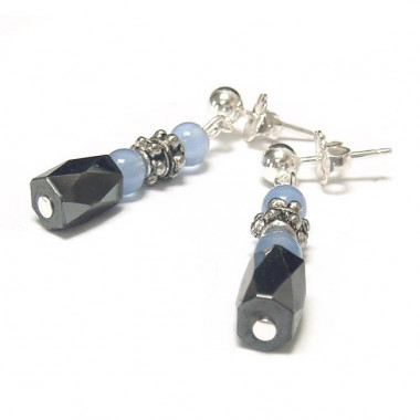 Boucles d'oreilles en hématite magnétique et agate bleue