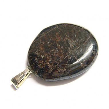 Grenat monté en pendentif