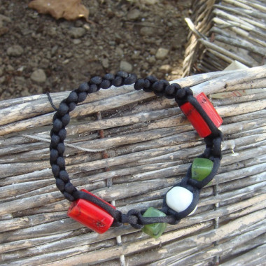 Bracelet shamballa jade, corail et agate blanche